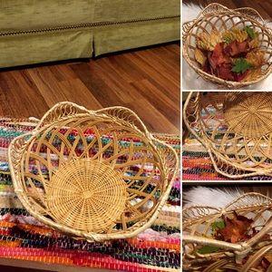 🦋2/$10 3/$15 4/$18 5/$20 Vintage Woven Basket
